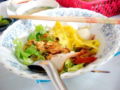 บะหมี่แห้งชามโต