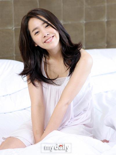 Han Ji Min แสดงเป็น ซงยอน